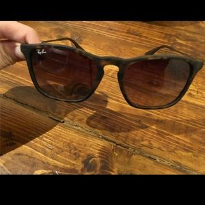 Ray ban sunglasses. Erika-tortoise